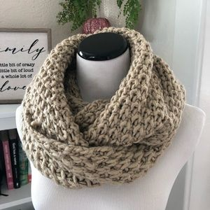 Old Navy Tan Chunky Knit Infinity Scarf